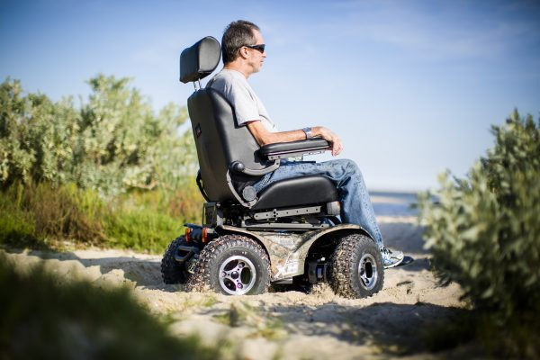 Magic Mobility X8 on sand